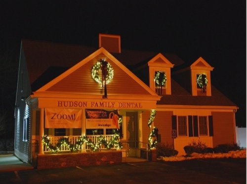 Hudson Dental Beautifully Decorated with Christmas Lights