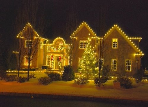 Residential Christmas Llights on home and tree